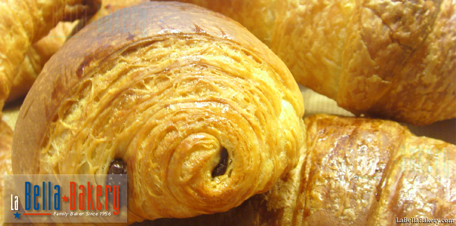 Bella Dough Artisan Bakery - Arizona Best Traditional Handcrafted Pastries Puff Flaky Croissant Bread Pizza Panini Biscotti Vulcano in Tucson and Phoenix Metro - La Bella Bakery